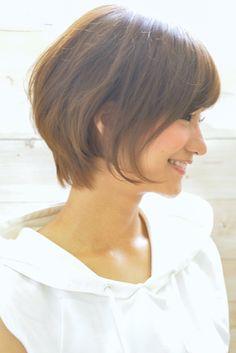 ショートカット 人気スタイル Work Hairstyles, Short Hairstyles For Women, Good Hair Day, Great Hair, Medium Hair Styles, Short Hair Styles, Chin Length Hair, Asian Hair, Very Long Hair