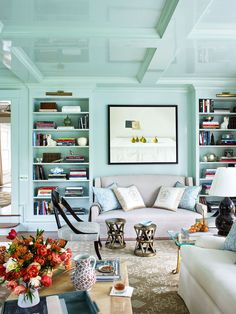What is high gloss paint? Learn all about the pros and cons of high gloss and super high gloss paint finishes here, as well as the stylish ways designers use them to transform a room. Mint Living Rooms, Living Room Green, Mint Rooms, Blue Rooms, Glossy Paint, High Gloss Paint, Fine Paints Of Europe, Mint Green Walls, Room Paint