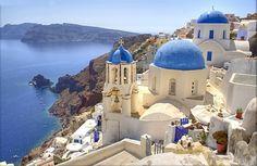 J'y suis allée...... GRèCE  Santorin, est une île grecque située en merÉgée. Elle est l'île la plus grande et la plus peuplée d'un archipel volcanique comptant en tout cinq îles.