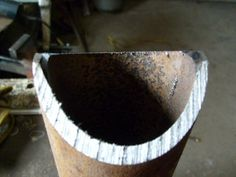 Making Perfect Pipe Saddle Cuts With a Bandsaw or Chopsaw: 5 Steps (with Pictures) Pipe Welding, Welding Cart, Welding Jobs, Welding Table, Arc Welding, Metal Projects, Welding Projects, Welding Ideas, Diy Projects