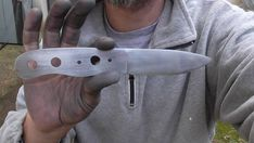 knife making essential tools The Forger, Trench Knife, Diy Knife, Opinel, Bushcraft Knives, Knife Sharpening, Custom Knives, Welding Projects, Knife Making
