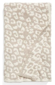 Free shipping and returns on Barefoot Dreams® 'In the Wild' Throw (Online Only) at Nordstrom.com. Add an exotic detail to your living room or bedroom décor with a lavish jacquard blanket made from sumptuous microfiber for cozy cuddling.