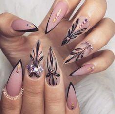 Wonder nails?