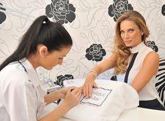 Plzeňský Institut krásy se v loňském roce rozrostl o divizi plastické estetické chirurgie a díky profesionalitě celého týmu a moderním technologiím se dnes pyšní bohatou klientelou nejen z celého Česka