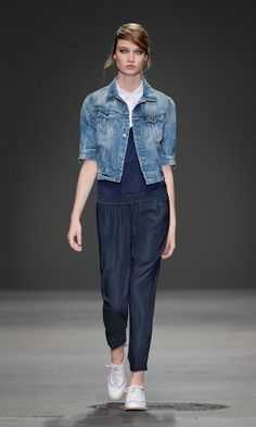 The Slim Tailor Cropped Jacket worn with the Togo Drawstring Pants and Dye Long Tank.