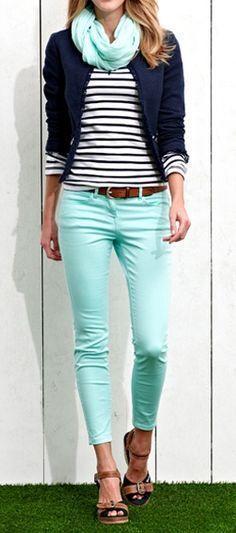 30 Cute Spring Outfits to Try Blue Things blue color combos Outfits Pantalon Verde, Colourful Outfits, Colorful Shirts, Mode Outfits, Casual Outfits, Mint Skinny Jeans, Mint Green Jeans, Skinny Chinos, Blue Jeans