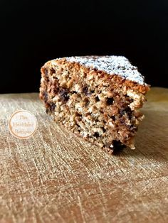 Oat cake, with hazelnuts, coffee and chocolate chips! - The Healthier Recipes - Ok, this you absolutely must try! It tastes nothing short of fantastic, even if the combinations se - Healthy Cake, Healthy Sweets, Sweet Recipes, Cake Recipes, Super Torte, Tortillas Veganas, Vegan Gluten Free Desserts, Torte Cake, Italy Food