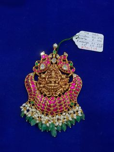 Gold Bangles Design, Gold Jewellery Design, Gold Jewelry, Indian Wedding Jewelry, Indian Jewelry, Bridal Jewelry, Temple Jewellery, Jewelry Patterns, Pendant Jewelry