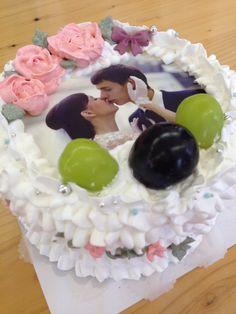 ウエディングケーキ Birthday Cake, Desserts, Food, Tailgate Desserts, Birthday Cakes, Deserts, Eten, Postres, Dessert