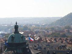 Praga - A piedi o in bicicletta, la Capitale boema è una delle più sostenibili del Vecchio Continente: tra la Collina di Petrin, i Giardini Reali e le greeways c'è l'imbarazzo della scelta.