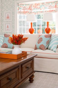 Having small living room can be one of all your problem about decoration home. To solve that, you will create the illusion of a larger space and painting your small living room with bright colors c… Coral Living Rooms, Living Room Decor Orange, Living Room Turquoise, Home Living Room, Living Room Designs, Beautiful Living Rooms, House Design, Interior Design, Decoration