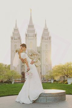 Matt & London Married / Utah Wedding Photographer / bridals / sunset bridals / salt lake temple wedding / groomals