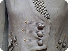 My happy sewing place.: Lisbon Costume Museum - a turn of the century coat. HOW did they make those buttons? Sewing Blogs, Sewing Hacks, Sewing Tutorials, Sewing Crafts, Sewing Projects, Sewing Patterns, Sewing Tips, Fashion Sewing, Diy Fashion