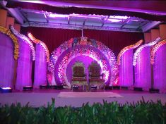 Wedding planners are proficient in their job. They can handle all the little elements and aspects of a grand wedding to make it an overwhelming and enthralling experience. They will review your contract, negotiate with vendors, get the best possible deals and make the total arrangement. In fact, you will be free from all the hullabaloo of handling hundreds of vendors and catering team. They will take charge of everything.