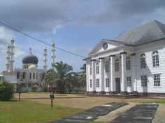 The oldest Synagoge in South America stands in Paramaribo...next to the Mosque
