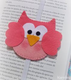Filt ugle bogmærke idé                                                                                                                                                                                 Mais Diy Bookmarks, Crochet Bookmarks, Sewing Crafts, Sewing Projects, Craft Projects, Owl Crafts, Crafts For Kids, Felt Bookmark, Felt Gifts