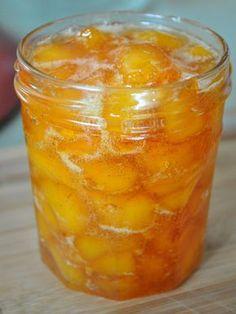 Hello gorgeous, vanilla peach jam with no store bought pectin.