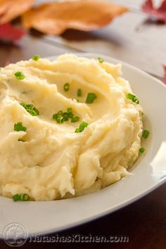 Roasted Garlic Mashed Potatoes Recipe The Neelys Food . How To Make Top Secret Garlic Mashed Potatoes Allrecipes . Garlic And Chive Mashed Potatoes Recipe, Easy Mashed Potatoes, Mashed Potato Recipes, Potato Dishes, Veggie Dishes, Vegetable Recipes, Best Thanksgiving Side Dishes, Thanksgiving Feast, Comfort Food