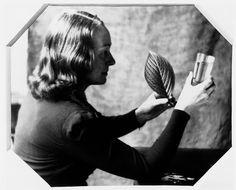 11 René Magritte Queen Semiramis (La reine Sémiramis)-photo,1947