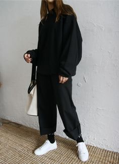 Death by elocution : photo danish street style, wide trousers, hijab fashion, korean Look Fashion, Hijab Fashion, Fashion Outfits, Womens Fashion, Fashion Trends, Lounge Outfit, Danish Street Style, Moda Outfits, Korean Street Fashion
