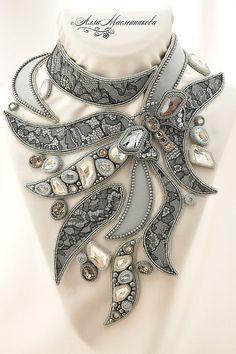 Купить Колье Summer Night Dream с кристаллами Swarovski и кружевом Шантильи - серый, черный