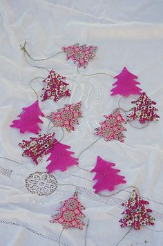 #christmas tree #garland - simple and easy to do, sometimes that's how I roll :)...best wishes Nelly x
