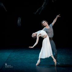 Ballet Art, Ballet Dancers, Svetlana Zakharova, Bolshoi Ballet, Ballet Photography, Ballet Beautiful, Amy Winehouse, Drawing Poses, Figure Drawing
