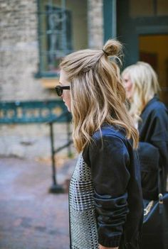 Parisienne: THE HALF BUN