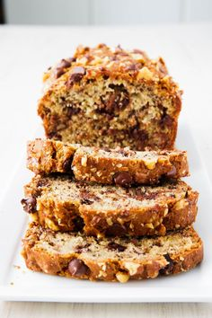 29 Banana Breads That Demand To Be Baked Easy Banana Bread Recipes - How to Make Banana Bread Make Banana Bread, Chocolate Banana Bread, Baked Banana, Kolaci I Torte, Banana Bread Recipes, Dessert Recipes, Desserts, Sweet Bread, Delish