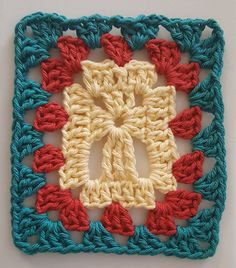 Granny pods kits Cross - Granny Square pattern by Margaret Galus Sandlier : I created this Cross Granny Square so that additional rounds can easily be added using the traditional Granny Square pattern. Granny Square Crochet Pattern, Crochet Squares, Crochet Granny, Crochet Motif, Granny Squares, Easy Crochet, Crochet Blocks, Afghan Crochet, Crochet Gifts