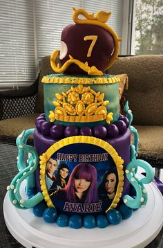 Descendants Cake Descendants Cake Descendants 2 Cake throughout Decendants Birthday Cake - Best Birthday Party Ideas 3rd Birthday Cakes, 9th Birthday Parties, Disney Birthday, Birthday Ideas, Desendants Cake, Villains Party, Disney Descendants, Disney Cakes, Party Cakes