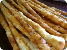 Sajtos - zöldfűszeres grissini recept képpel. A recept hozzávalói és elkészítése részletes leírással és fotóval. A sajtos - zöldfűszeres grissini elkészíétse: A tejet a cukorral megmelegítjük, beleszórjuk ... Croissant, Naan, Goodies, Food And Drink, Dishes, Baking, Breakfast, Recipes, Wordpress