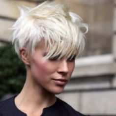 Platinum Blonde Pixie Cuts with Long Bangs Pixie Hairstyles, Cool Hairstyles, Pixie Haircuts, Teenage Hairstyles, Blonde Hairstyles, Short Funky Hairstyles, Funky Haircuts, Scene Hairstyles, Female Hairstyles