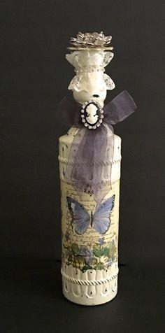 Altered Bottle by RoxburyLaneDesigns on Etsy Wine Bottle Art, Painted Wine Bottles, Wine Bottle Crafts, Bottles And Jars, Glass Bottles, Perfume Bottles, Decoupage, Decorative Bottles, Jar Art