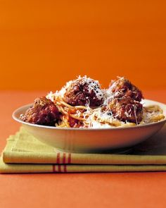 "Lady and the Tramp Spagetti and Meatballs: ""Julie and Julia"" brought French cooking to the forefront of moviegoers'  minds, but it's far from the first film in which food plays a pivotal  role. Who doesn't remember the classic scene in ""Lady and the Tramp"" when the two dogs share a plate of spaghetti and meatballs under the moonlight? Relive the romance with our quintessential recipe."
