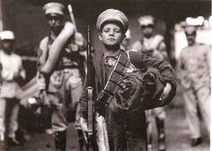 Niño soldado, México, 1914. Foto del Archivo Casasola