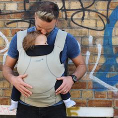 Close Caboo DXgo Carrier - Khaki  Close enough to kiss!