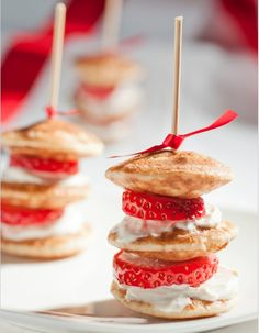 CATERING IDEA: MIni pancakes with sliced strawberries and whipped cream. Tip: to control size/shape of the pancake, use a icing bag and tip.