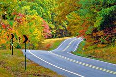 Best Fall Color Drives in Arkansas | Steve Landers Chrysler Dodge Jeep Ram in Little Rock • (501) 374-4848