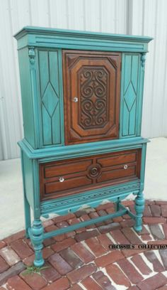 Two Tone Linen Cabinet painted in a custom mix of General Finishes colors and staine with Brown Mahogany gel stain.