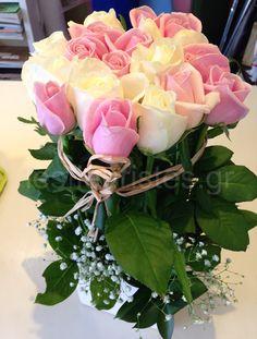 Ξεχωριστές ανθοσυνθέσεις για την Γιορτή της Μητέρας #lesfleuristes #λουλούδια #ανθοσύνθεση #ανθοπωλείο #γλυφάδα #ΓιορτήΜητέρας #MothersDay Plants, Plant, Planets