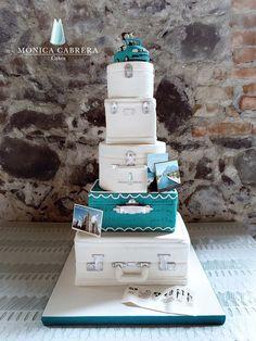 Pastel maletas  Monica Cabrera Cakes wwww.monicacabreracakes.com Puebla, México