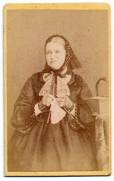 Bohdan Šantrůček, Znojmo - Vintage Knitting Lady