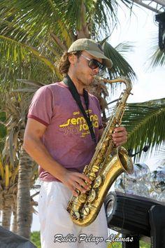 Músico en Puerto Morelos