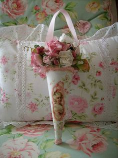 Tussie mussie,altered art ,shabby,cottage marie antoinette,roses,1