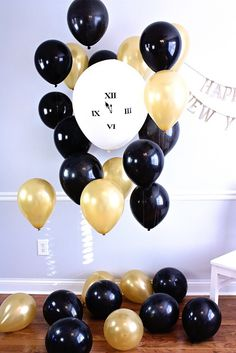 How To Make A New Year's Eve Party Photo Booth