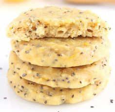 Lemon Chia Seed Protein Cookies -- these skinny, protein-packed low carb cookies don't taste healthy at all! Protein Cookies, Protein Desserts, Protein Snacks, Healthy Cookies, Low Carb Desserts, Low Carb Recipes, Healthy Snacks, Cooking Recipes, Healthy Recipes