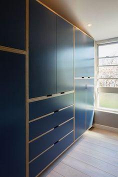 //white instead of navy - master wardrobe design Plywood Kitchen, Plywood Cabinets, Plywood Furniture, Home Furniture, Furniture Design, Furniture Outlet, Wardrobe Furniture, Wardrobe Design Bedroom, Ikea Wardrobe