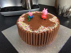 Peppa pig muddy puddle cake Peppa Pig Birthday Cake, 2nd Birthday, Birthday Ideas, Violet Cakes, George Pig, Pig Party, Just Cakes, Cake Designs, Cake Ideas