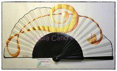 Abanicos de fabricación española, pintados a mano por Claudia Cano, totalmente artesanal y de manera exclusiva. Para gustos, los colores. Un baile de luces y sombras. Festival de color para los sentidos.    clauabanicos@gmail.com Teléfono: 34/652581900 (también whatsapp) Madrid, España.
